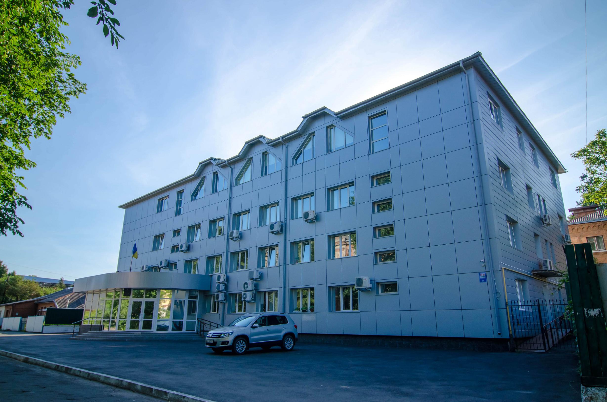 Реконструкція будинку Хмельницького обласного центру зайнятості